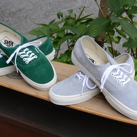 VANS - authentic suede
