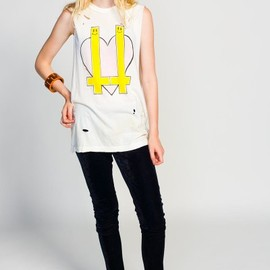UNIF - UNIF Inverted Heart Tee