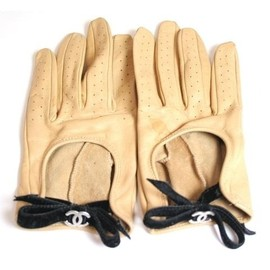 CHANEL - camel leather bow driving gloves