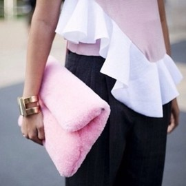 HACHE - bag pink furry clutch