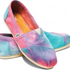 TOMS - Pink and Blue Tie Dye Women's Classics