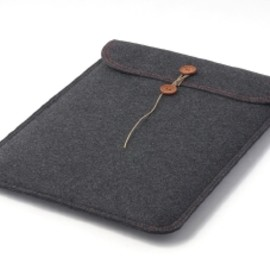 buzzhouse design. - MacBook Air felt case