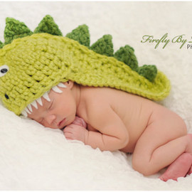 Dino (or Dragon )  baby hat, perfect newborn photo prop and Halloween costume