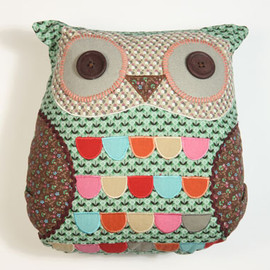 urban outfitters - owl cushion