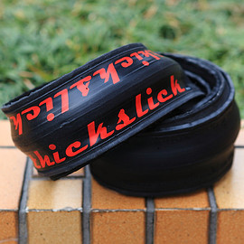 WTB - thickslick race tire (black/red)