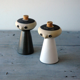 Bennington Pottery, David Gil - Salt & Pepper Shakers