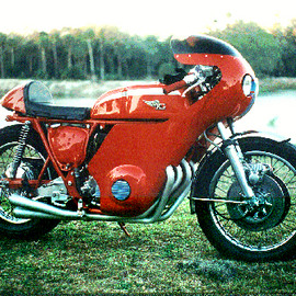 Honda - CR750 Street Replica