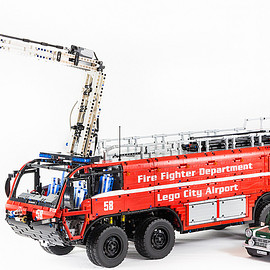 Lego - 1:14 Scale Technic Airport Crash Tender Fire Truck by Lucio Switch