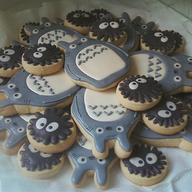 ramblingdaniel:Thanks to Nat for sending me this image. I'd love to make them, but they look kind of difficult.Time spent making < Time spent eating.