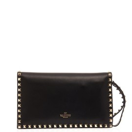 VALENTINO - The Rockstud leather clutch