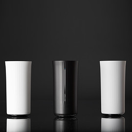 Fuseproject - Vessyl cup by Yves Behar_dezeen_50sq