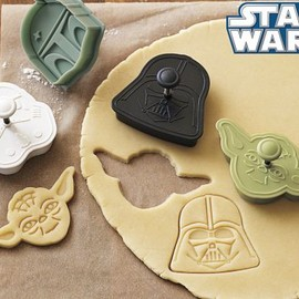 Williams Sonoma - STAR WARS Heroes & Villains Cookie Cutters