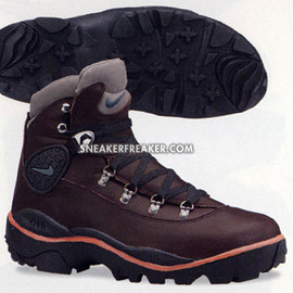 NIKE ACG - Air Trailscape - Dark Cinder