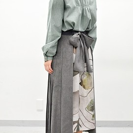 ohta - gray pleats skirt