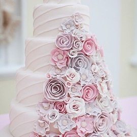 Pink & Lilac Flowers Wedding Cake