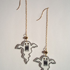 BENICOTOY - Ghost Earrings