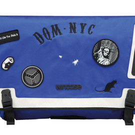 Incase - INCASE×DQM SKATE MESSENGER BAG BLUE