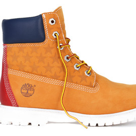 """TOMMY - Timberland の定番アイコン""""イエローブーツ""""を TOMMY が別注"""