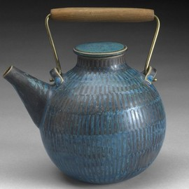 Gustavsberg - Tea Pot by Stig Lindberg