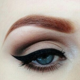 Wing eyeliner #beauty #makeup #inspo