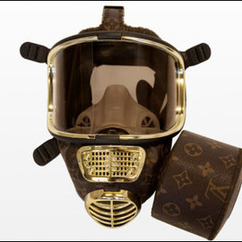 LOUIS VUITTON - GAS MASK