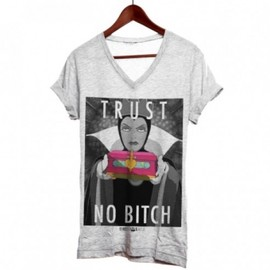 NEVER TELL YOUR TAILOR - TEE SHIRT TRUST NO BITCH  Grey