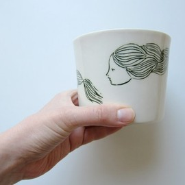Piecesofporcelain - Unique handmade white porcelain cup with a long haired girl