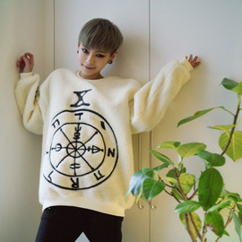 coii - fuzzy pentgram sweater