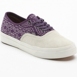 Vans-Authentic-CA-'Native-Embroidery'-5