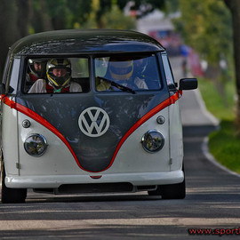 VOLKSWAGEN - TYPE 2 / Porsche Bi-turbo Bus