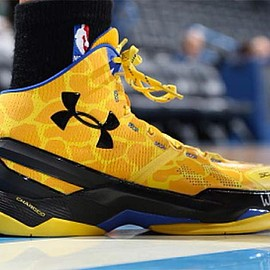 UNDER ARMOUR - CURRY TWO GIRAFFE