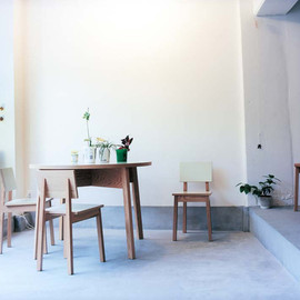 IDÉE - Chair and Table by Marina