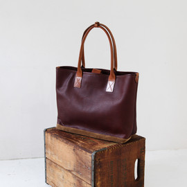 MOTO - Shrink Leather Tote Bag 13A