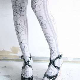CANS TIGHTS