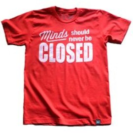 CLOSED minds Tee