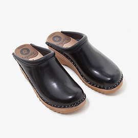 Nepenthes × Troentorp - TROENTORP SWEDISH CLOG - PLAIN TOE / SMOOTH
