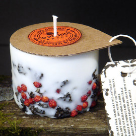 Railis - Genuine Icelandic Soy Wax Candle - Rowan berries and 2000 years old Lava stones