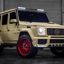 Mercedes-Benz - G550 Military Custom