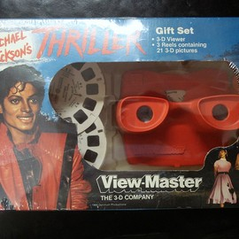 "Tyco Toys/WALT DISNEY COMPANY - Michael Jackson's ""Thriller"" View-Master 3-D Viewer"