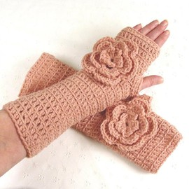 Luulla - Lovely Crocheted Pale Rose Pink Fingerless Gloves