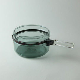 pyrex - glass pan