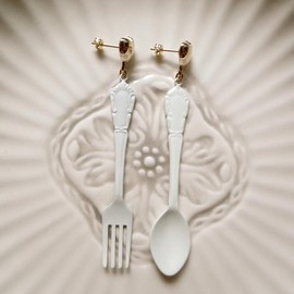 corchea - White Restaurant Earrings