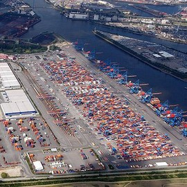 Hamburg / Germany - Hamburg Containerterminal Altenwerder