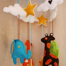 Luulla - BOO!beloobie Jungle Baby Mobile with Giraffe, Elephant, Cloud and Star detail in Blue, green, chocolate brown, yellow and cream