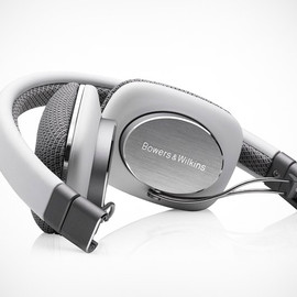 Bowers & Wilkins - P3 headphone