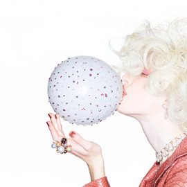 Lulu Frost - BAUBLE OF THE DAY - ...or should we say bubble?