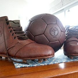 MODEST VINTAGE PLAYER - Heritage Football Boots