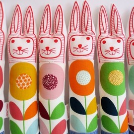Jane Foster - Scandinavian Flower Fabric Rabbit