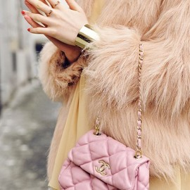 CHANEL - pink bag/style♡