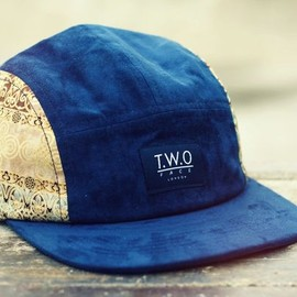 T.w.O FACE LONDON - The Worlds Original Face  TWO Face London3rd Edition 5 panel